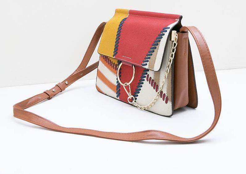 Voucher Hijabenka Abstract Sling Bag Diskon 40%